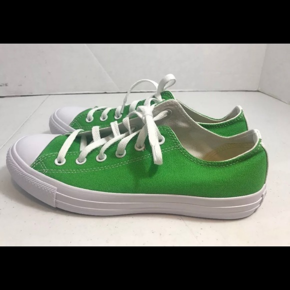 65d05235bd27 czech womens size 10 mens 8 green converse sneakers 7fd5f 40b82
